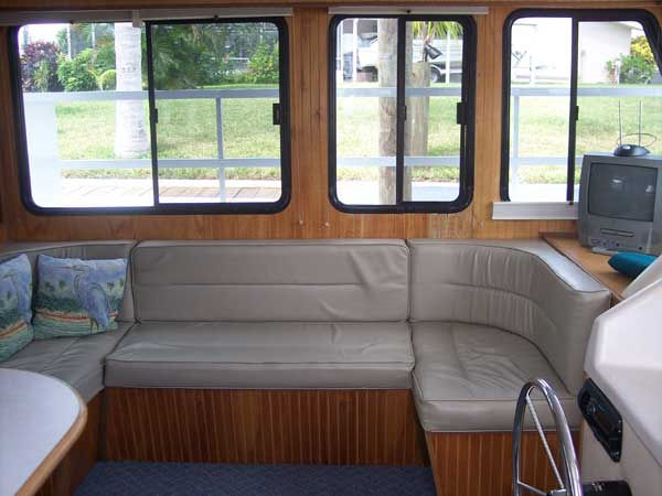 37 Foot Sports Series Houseboat