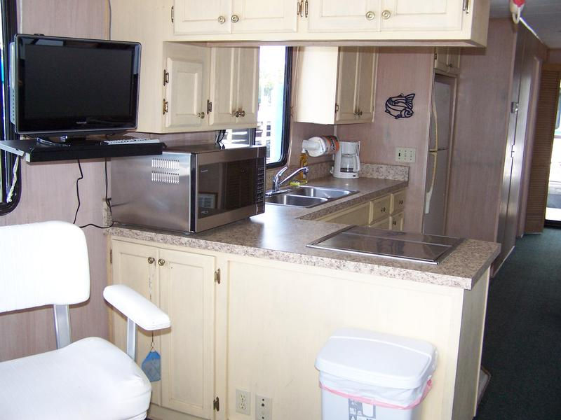 45 Foot 6 Sleeper Executive Houseboat