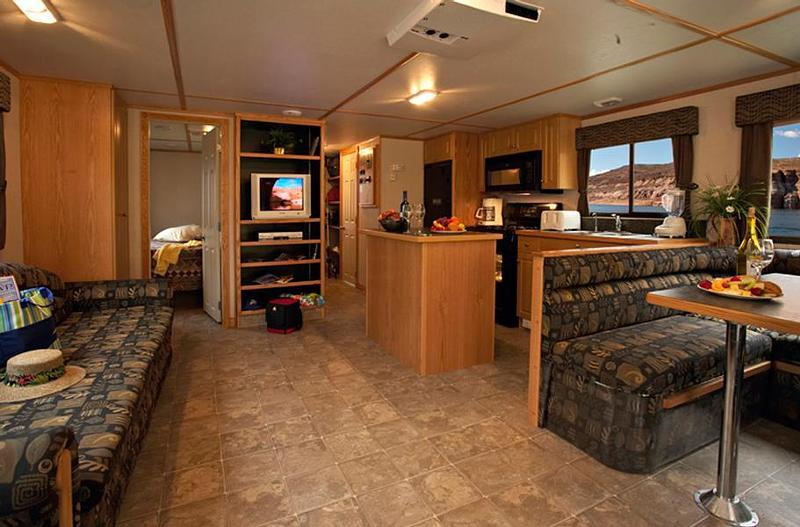 46 Foot Expedition Class Houseboat