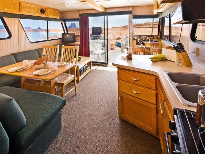 46 Foot Voyager Class Houseboat