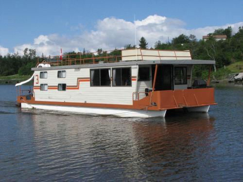 49 Foot Houseboat
