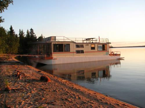 52 Foot Houseboat