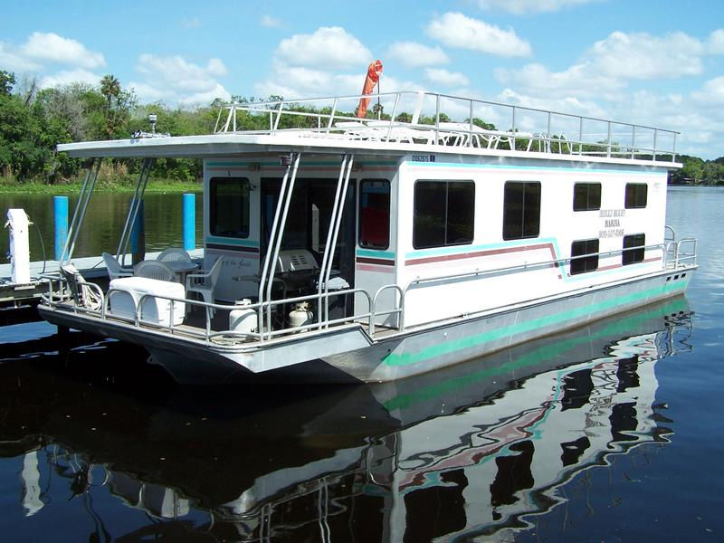53 Foot 10 Sleeper Executive Houseboat
