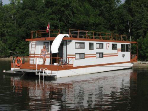 54 Foot Houseboat