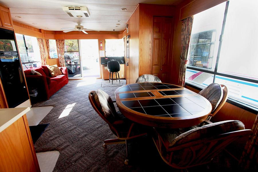 58 Foot Raystowner Houseboat