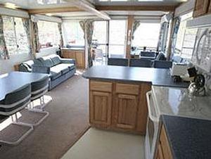 59 Deluxe Houseboat
