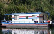6 Sleeper Houseboat