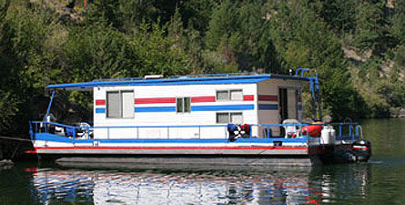6 Sleeper Houseboat