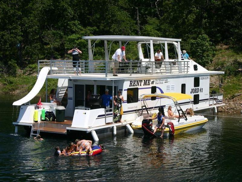 60 Deluxe Houseboat on Pontoon Boat Rentals Lake Travis