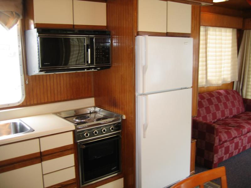 60 Freedom Class Houseboat