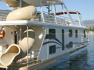 60 Genesis Houseboat