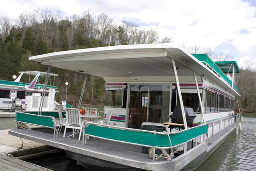 64 Jamestowner Houseboat
