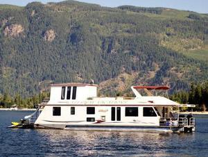 65U Mirage Houseboat