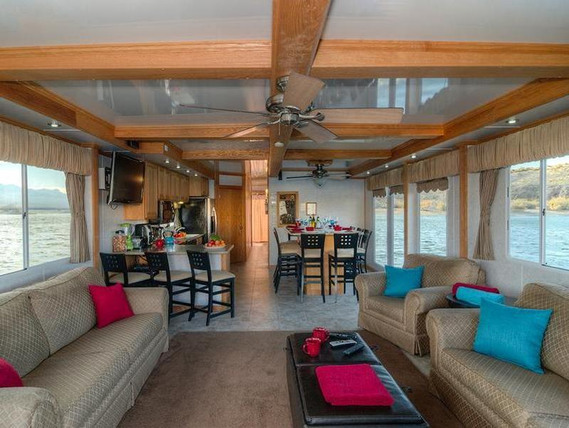 70 Foot Silver Millennium Houseboat
