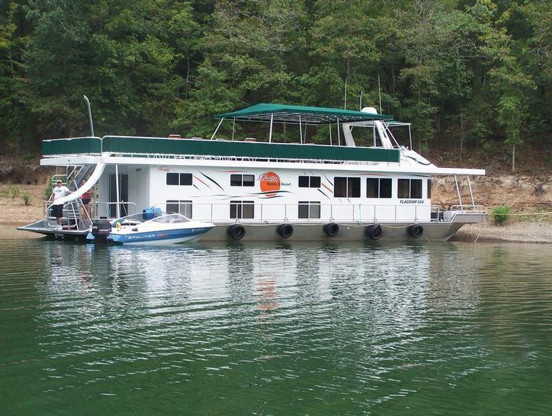 Groups with comfortable amenities the 74 foot flagship houseboat