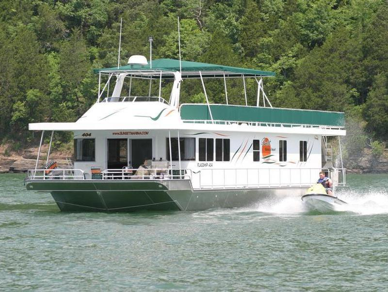 74 Flagship Houseboat On Dale Hollow Lake