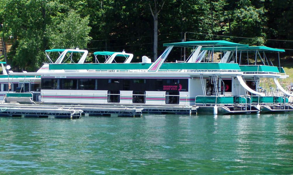 75 Bigfoot Houseboat