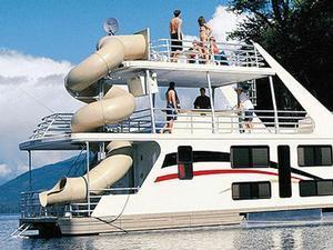 75 Genesis Houseboat