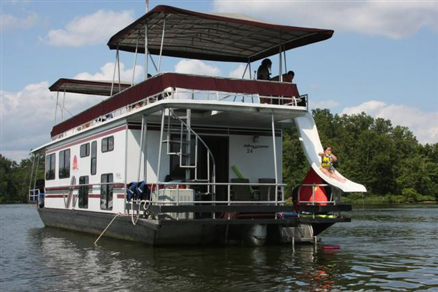 Adventurer Houseboat