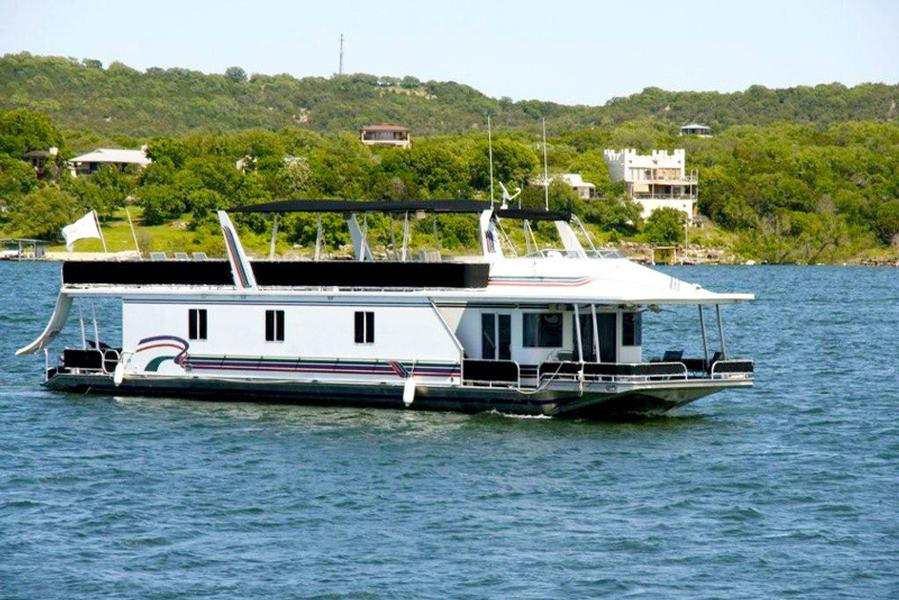 Big Caddy Class Houseboat