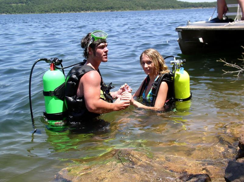 Dive with friends from shore or your houseboat