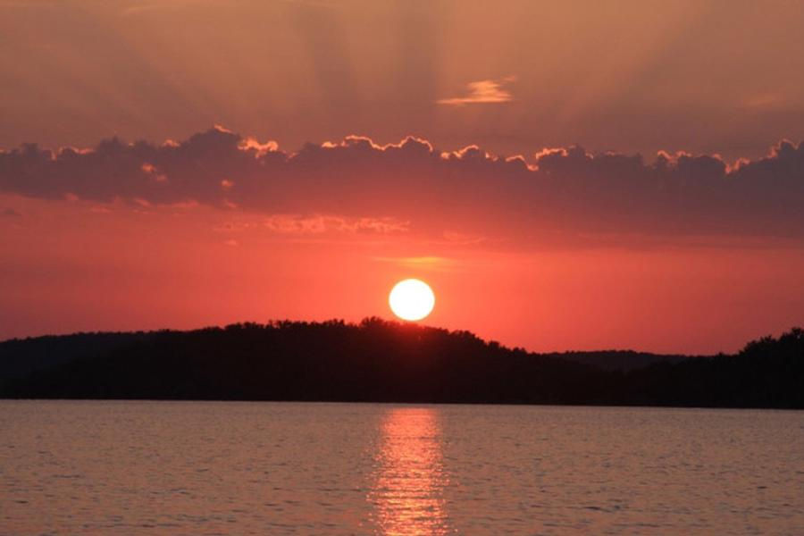 Stunning sunset at Bull Shoals Lake