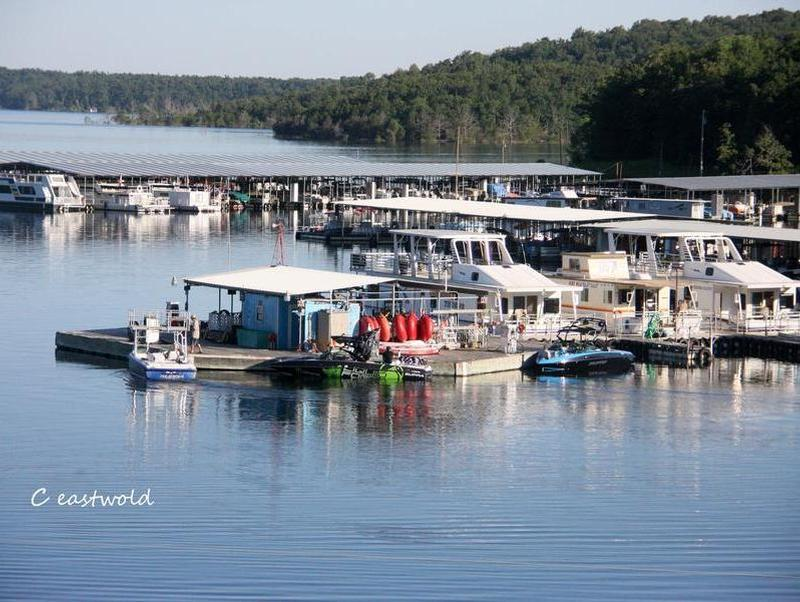 Start your houseboat vacation at the Bull Shoals Lake Boat Dock Photos