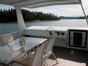 Voyager II Houseboat