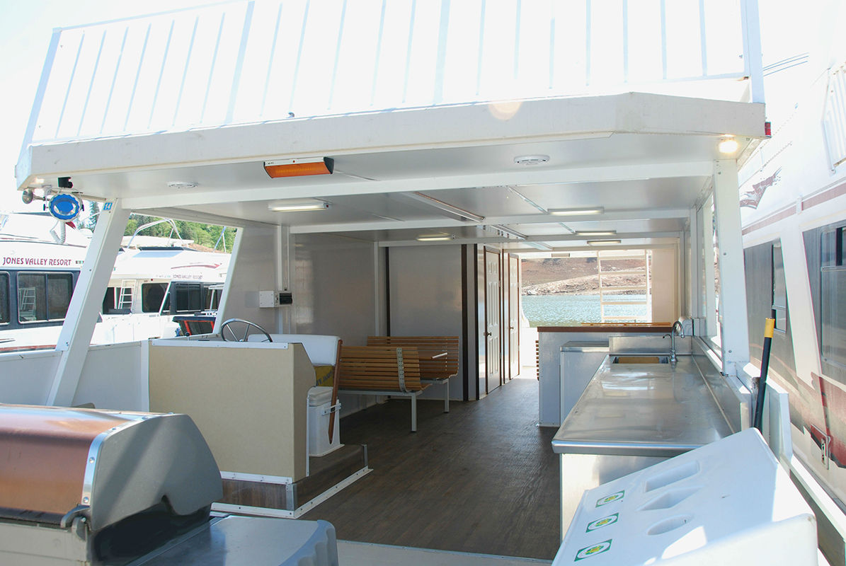 SuperCruiser Party Boat - Kitchen & Dining