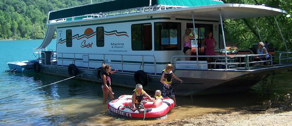 Dale Hollow Lake Houseboat Rentals and Vacation Information