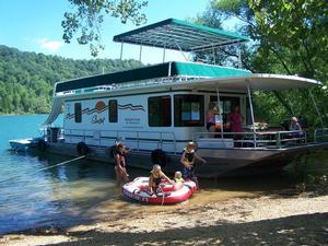 houseboat rentals across america rh houseboating org  tri lakes houseboat rentals table rock lake