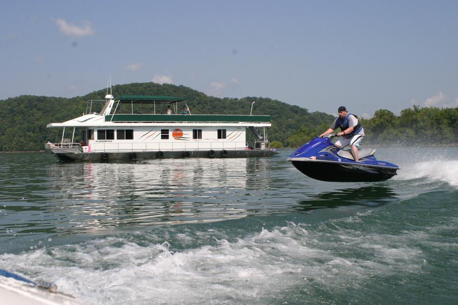 Jet across the wake at an exciting speed aboard a personal watercraft