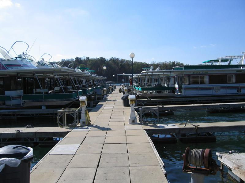 Dale Hollow Lake Houseboat Rentals