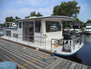 Days away houseboat