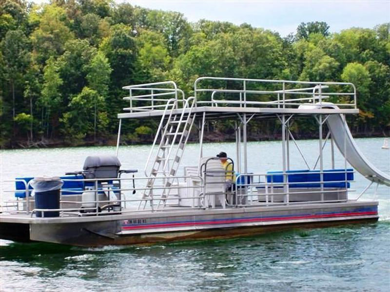 Double Decker Pontoon Marinas Intl
