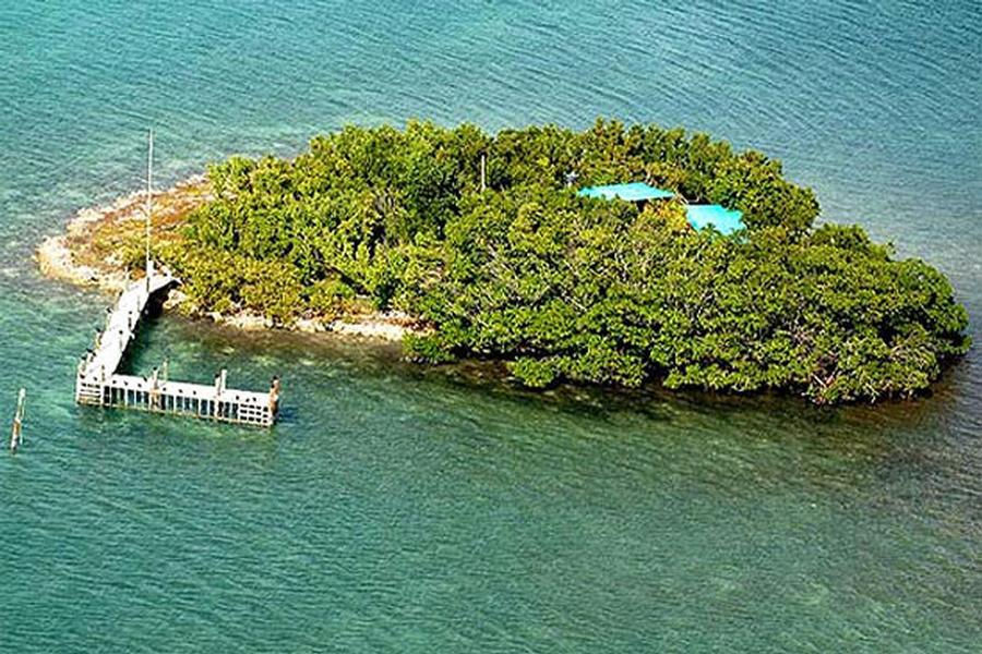 Your private island is a luxury companion to a houseboat
