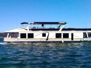 A Luxury Houseboat Vacation - Lake Travis, Texas