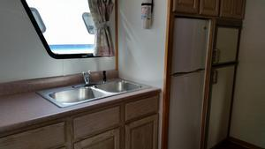 59 foot Deluxe Houseboat Sutton Lake