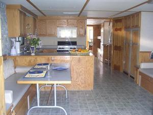 Horizon Houseboat
