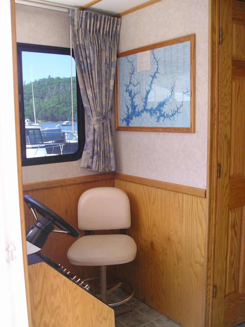 Horizon Houseboat