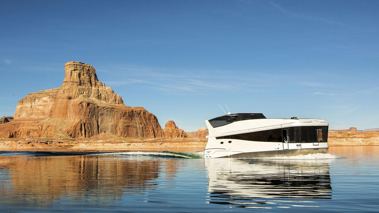 The brand new 65' Axiom Star Lake Yacht
