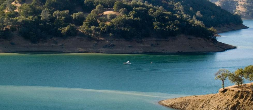 Lake Berryessa Houseboat Rentals And Vacation Information