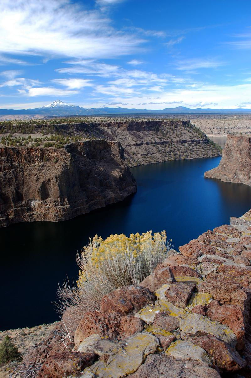 Lake Billy Chinook Houseboat Rentals