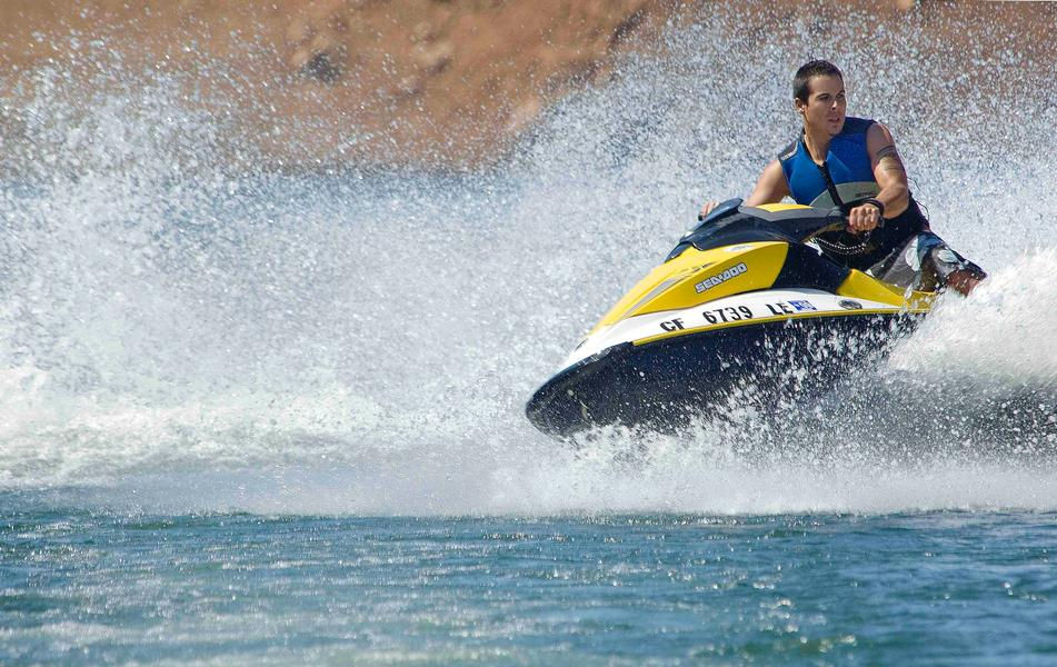 Keep things exciting and cruise the lake at a faster speed