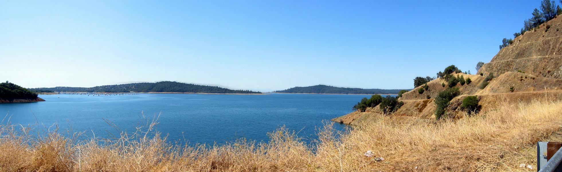Blue waters meet blue skies with Oroville's peaceful view