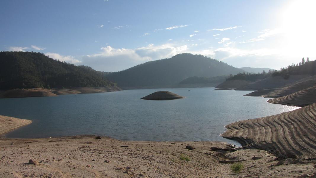 A breathtaking view at the picturesque Lake Oroville