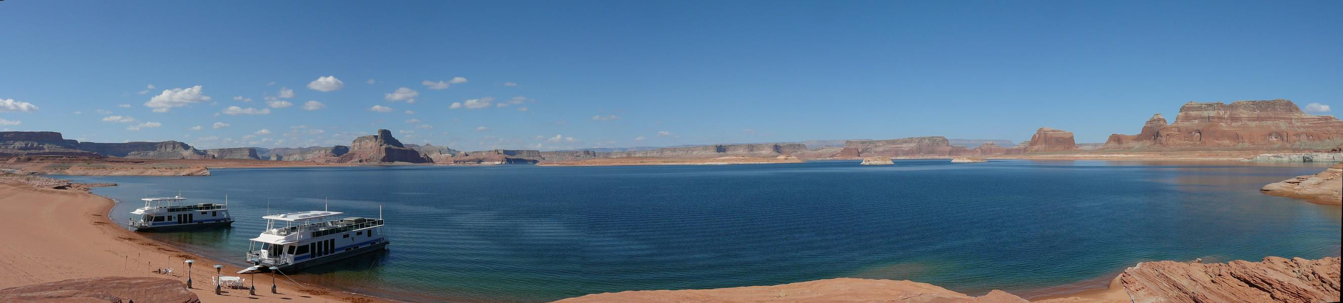 Give them a family reunion they'll never forget at Lake Powell