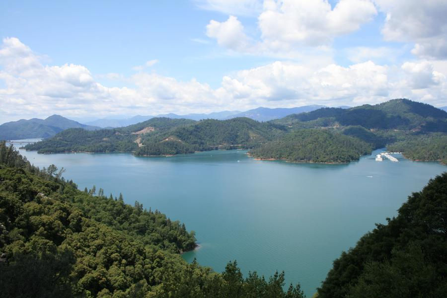 Take a hike up the hills to enjoy a breathtaking view of Shasta Lake