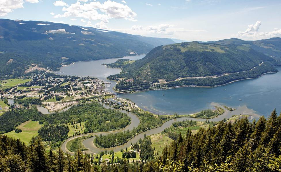 Lake Shuswap blending with the community