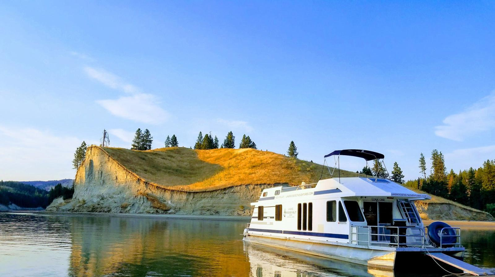 The Luna Houseboat from Seven Bays Marina on Lake Roosevelt